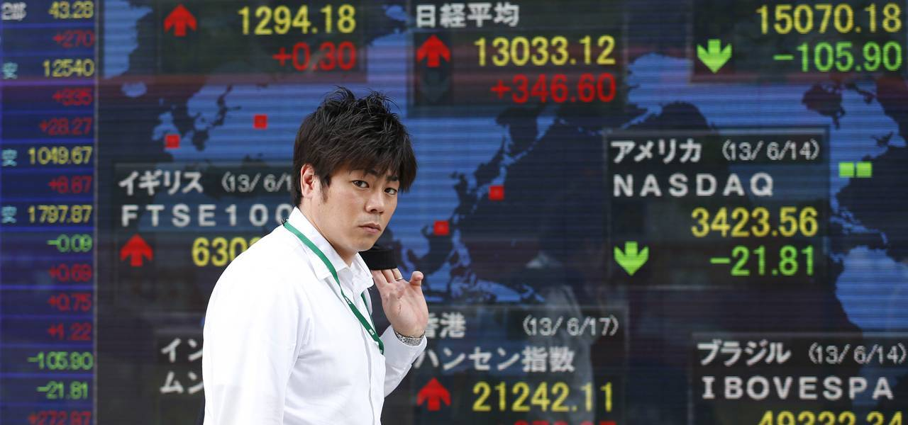 Asian shares tumble as traders seek safe havens