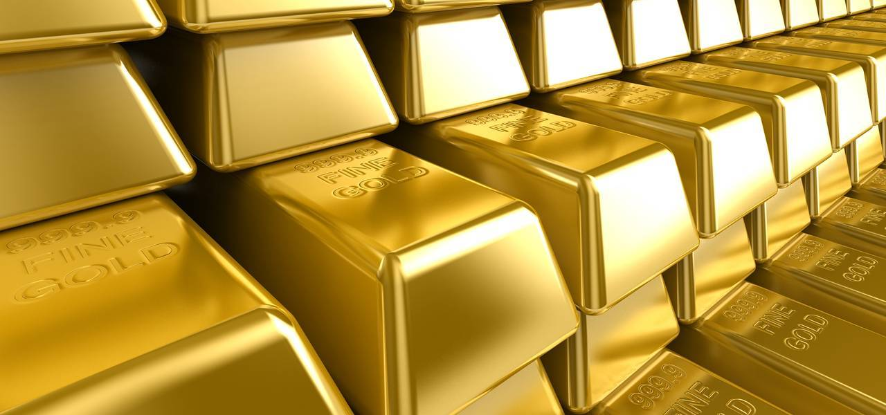 Gold falls in Asia as greenback soars