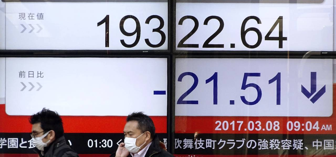 Asian shares descend on US strikes on Syria