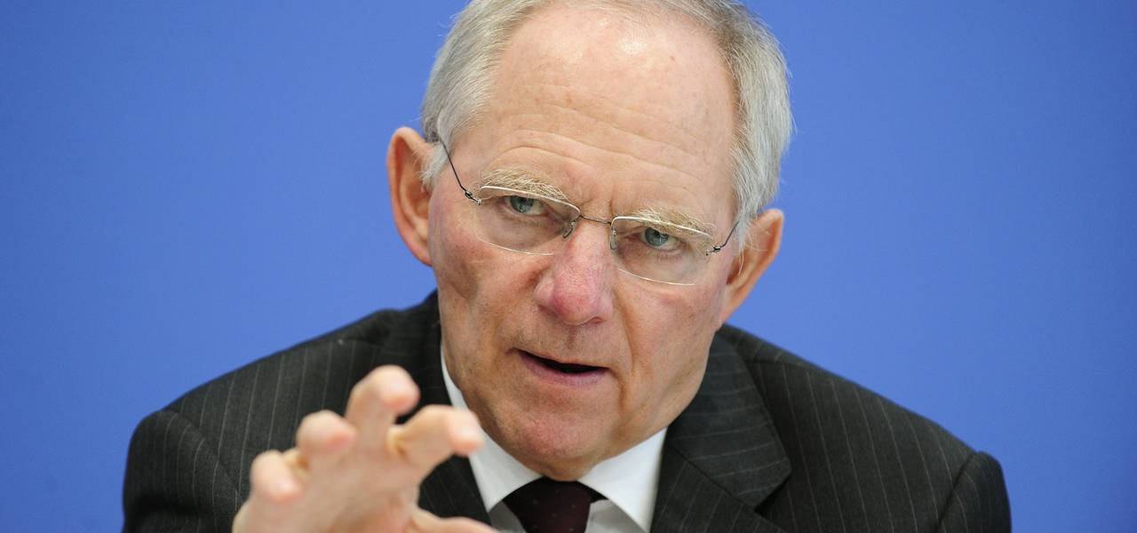 Germany's Schaeuble expects IMF to stick with Greece program