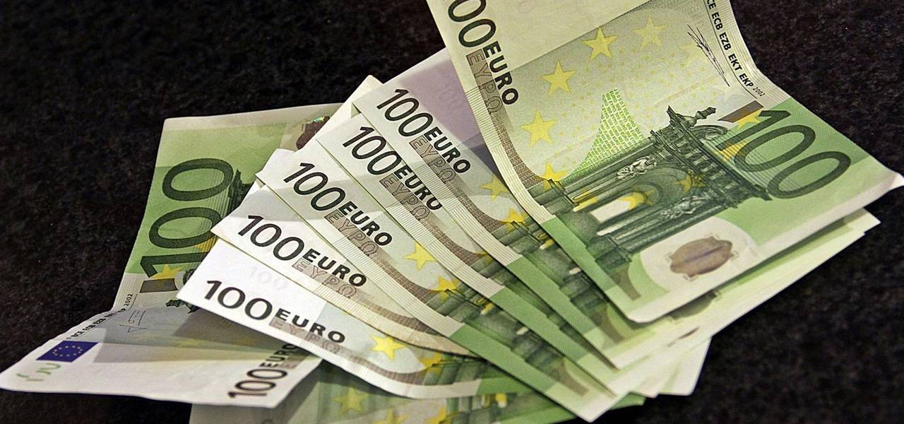 Euro edges up before ECB decision