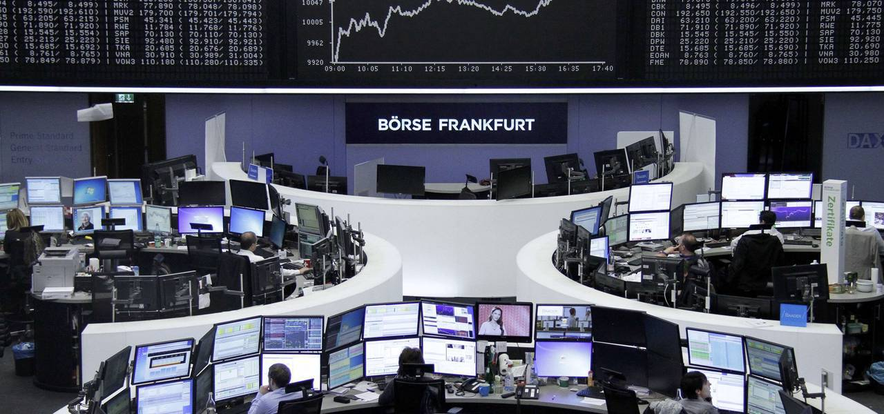 European indices edge up on statistical data