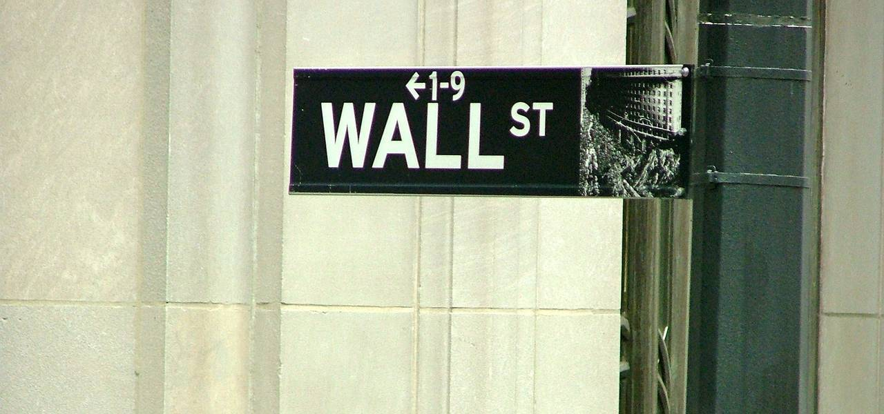 Wall Street concludes up due to economic data