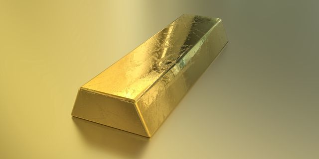 Gold inches up Commodity News