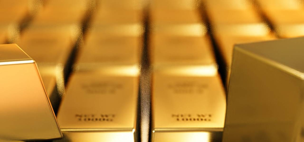 Gold goes up, as risk appetite recedes, greenback jumps