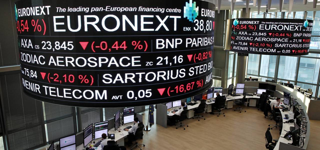 European shares start lower in cautious trade