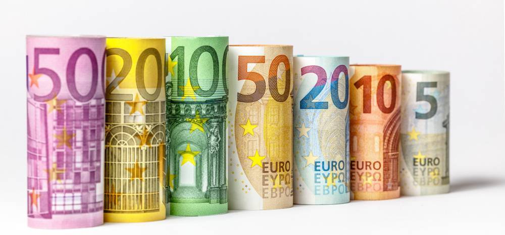 The euro in a double-top pattern