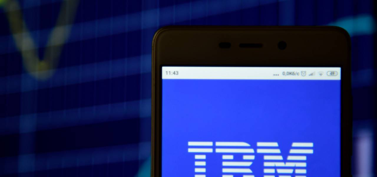 IBM: sell or buy after mixed earnings report?