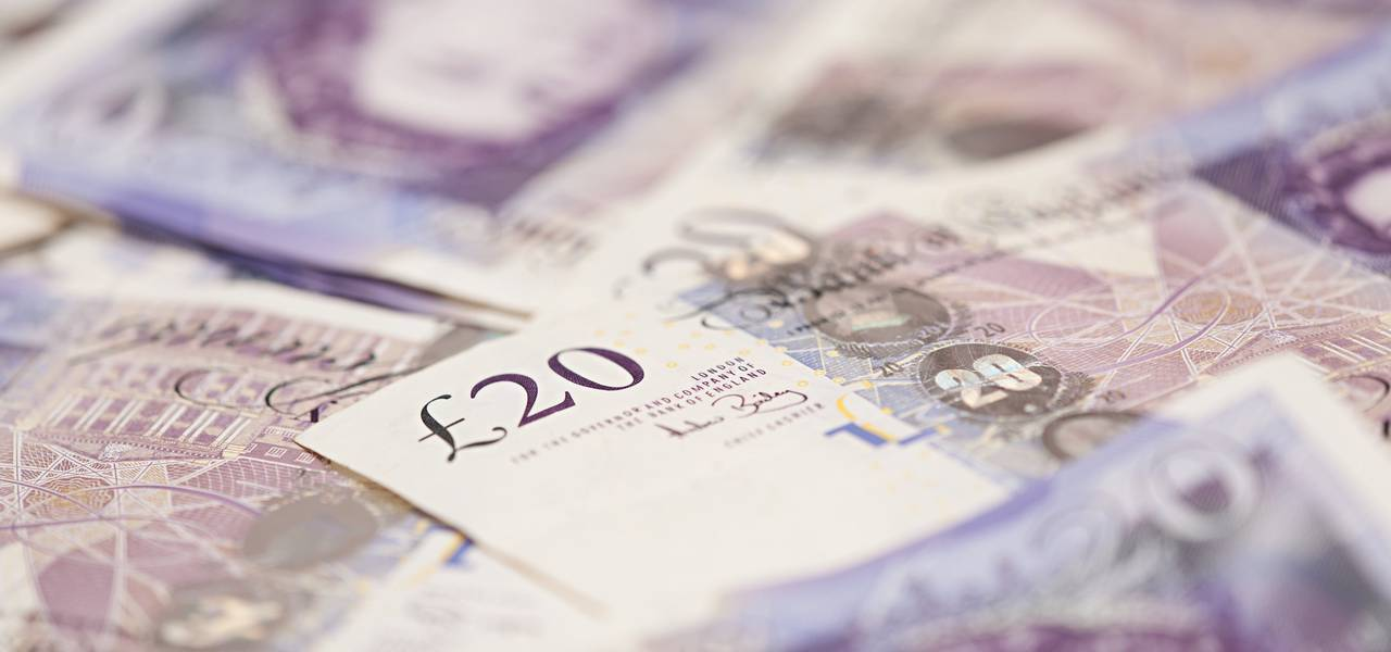 GBP/USD: pair has plunged