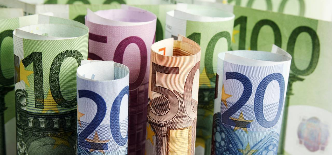 EUR/USD: local 'V-Top' led to decline