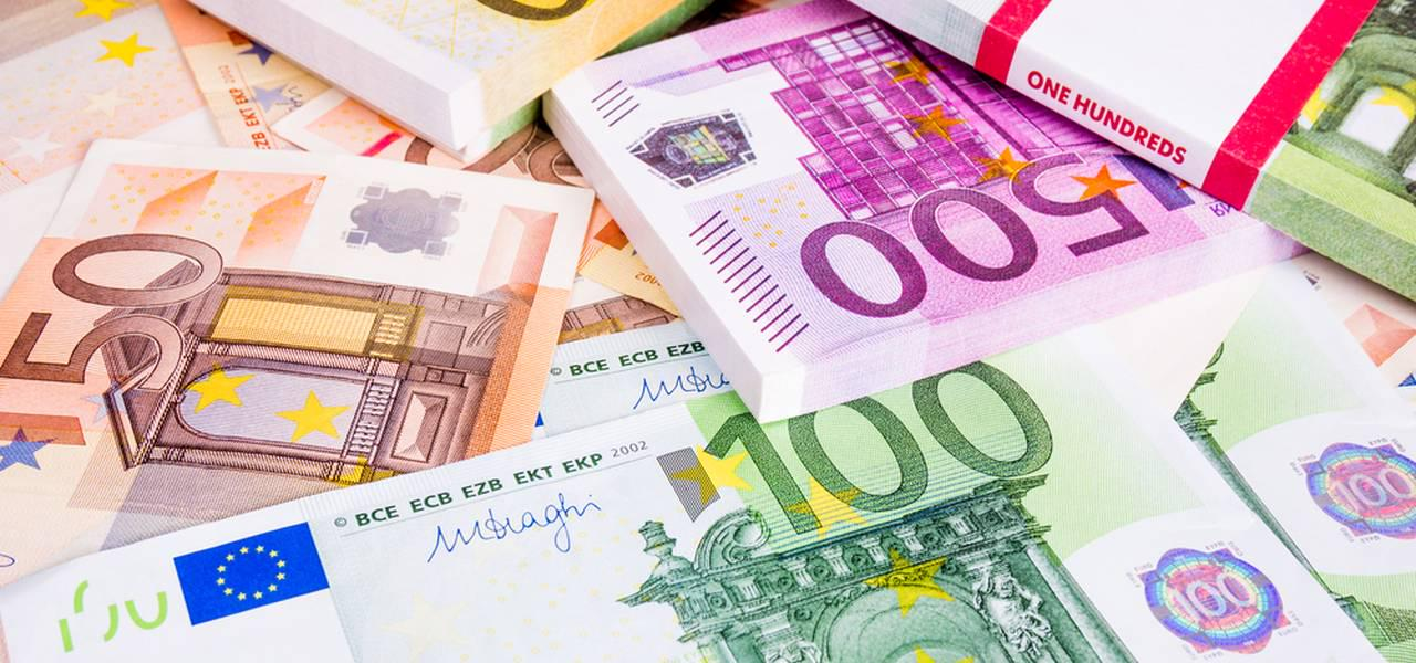 EUR/USD hits a new 3 month high