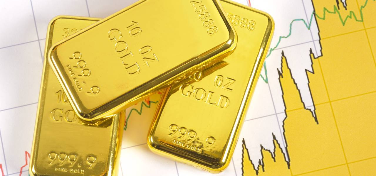 Gold soars on the risk-averse demand