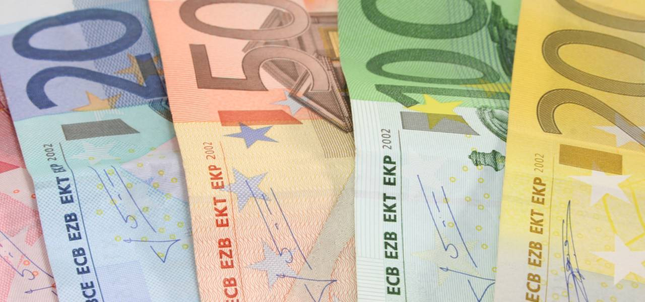 EUR/USD: price rising because of 'Triple Bottom'